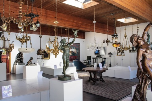A glance into the RENEW Gallery space